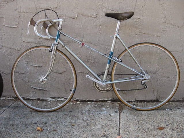 very nice high end mixte bike please email at bikevillegmailcom for price or with any questions you may have thanks - Mixte Frame